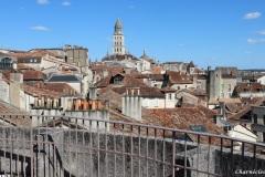 Vue de la tour Mataguerre : la cathédrale Saint Front